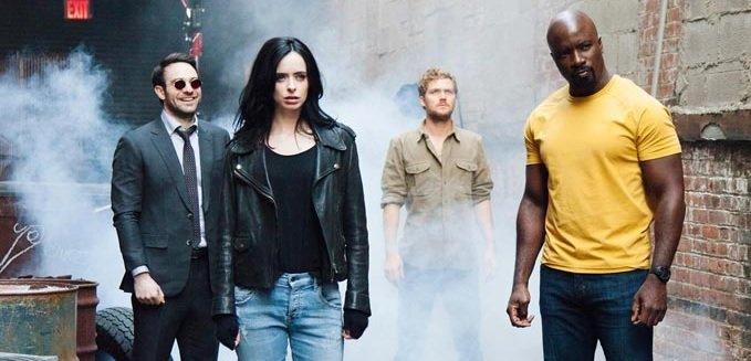"""Charlie Cox chce 2. sezonu The Defenders. Pierwszy był """"zbyt wolny"""""""