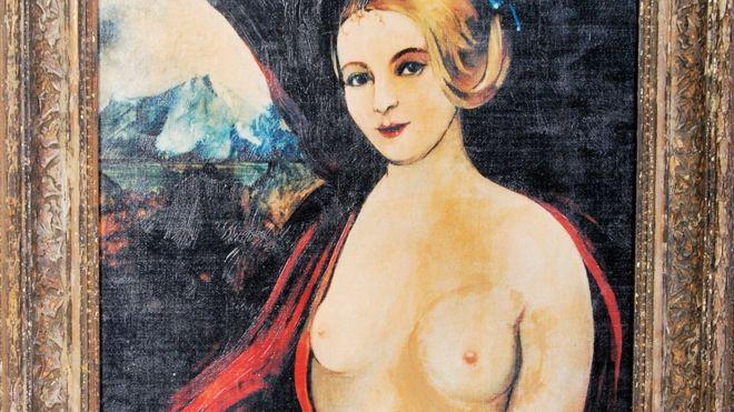 Upadła Madonna z wielkim cycem z serialu 'Allo, 'Allo! sprzedana na aukcji