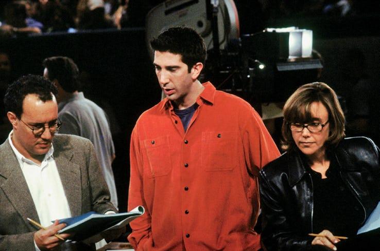 Przyjaciele - David Schwimmer odpowiada na społeczną krytykę serialu