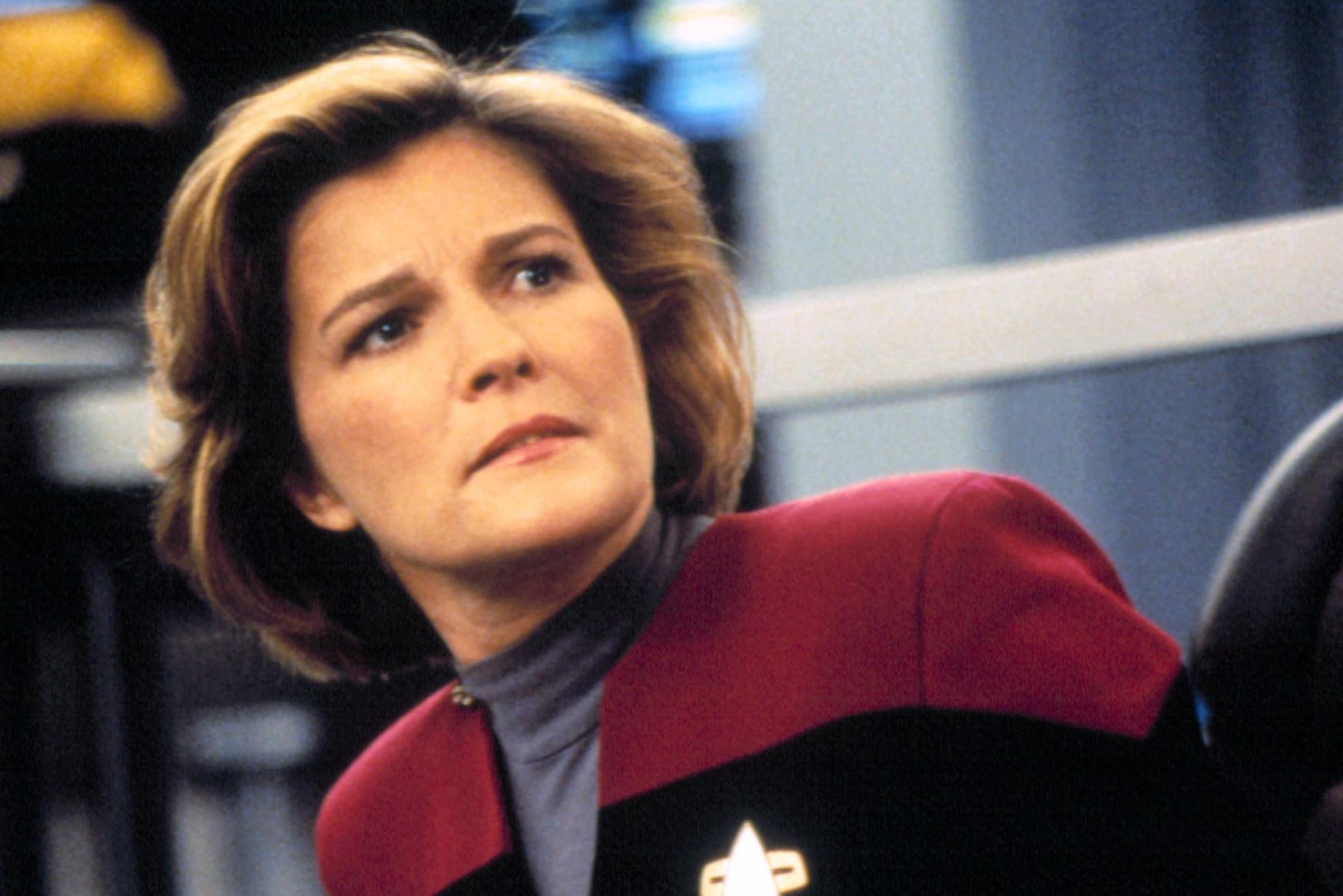 Kate Mulgrew nie jest aktorką jednej roli. Młodsi widzowie kojarzą ją raczej z występem w Orange is the new Black, niż ze Star Trekiem / Fot. CBS