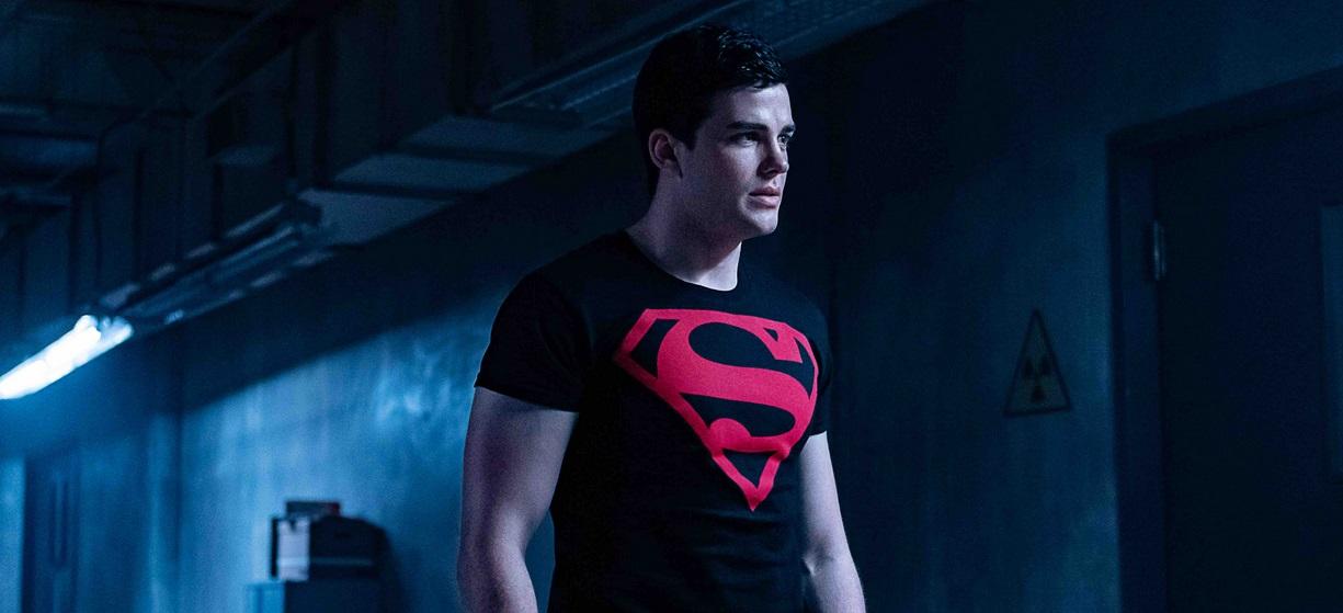 Titans - Superboy i Krypto na zdjęciach z 6. odcinka 2. sezonu