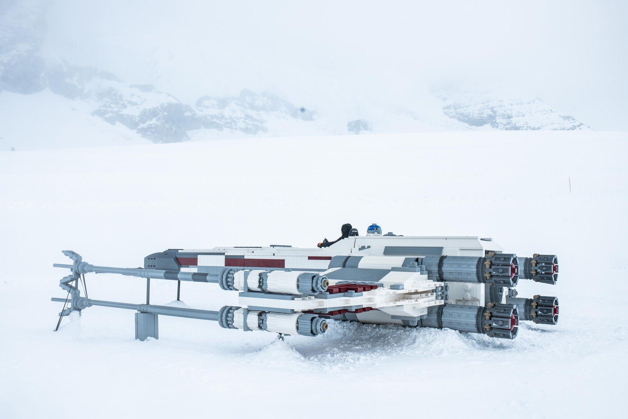 Gwiezdne Wojny - naturalnych rozmiarów X-Wing z LEGO. Zobacz zdjęcia