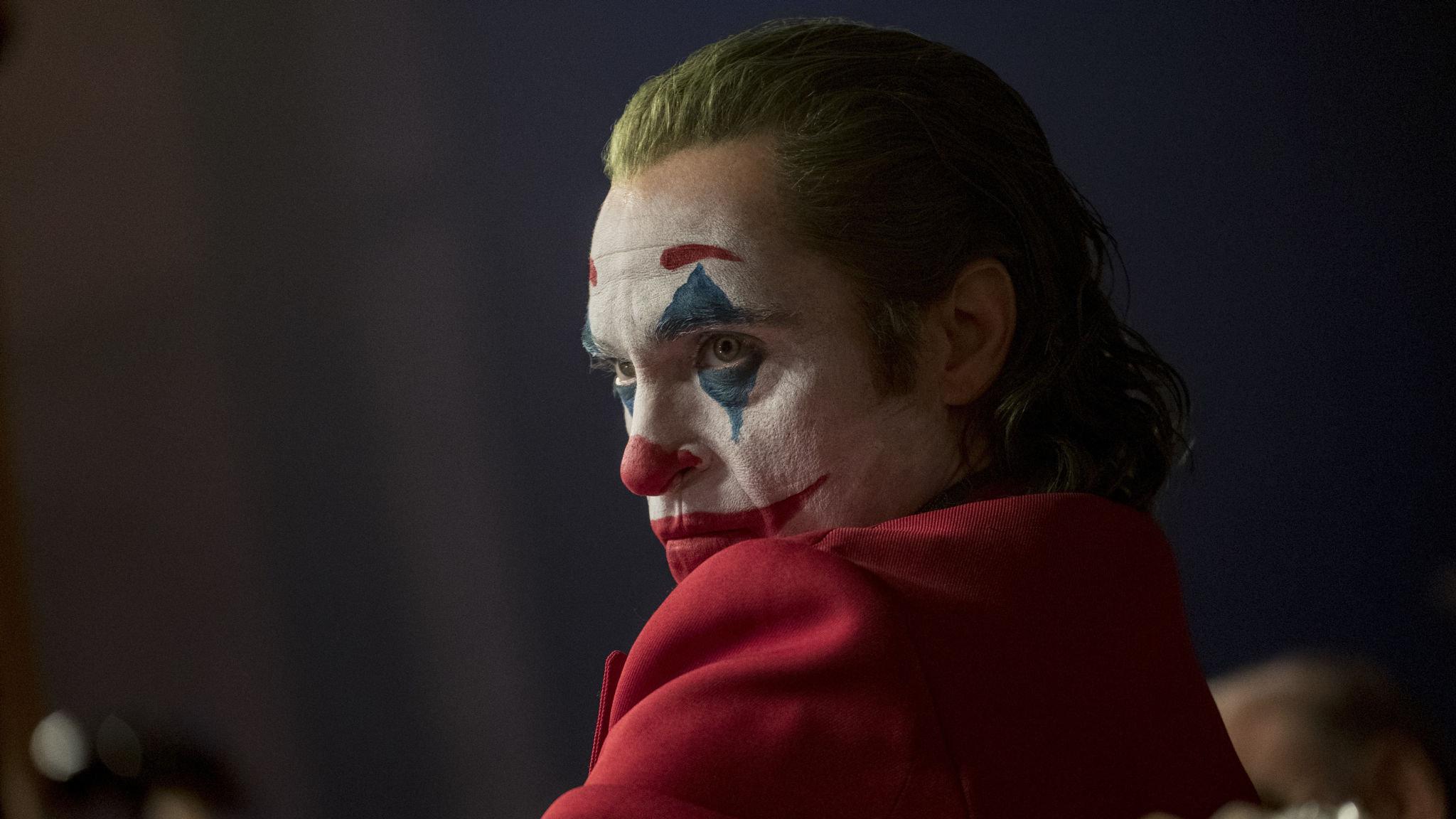 Twórca Synów Anarchii o produkcjach komiksowych. Chwali MCU, Jokera i Pennywortha