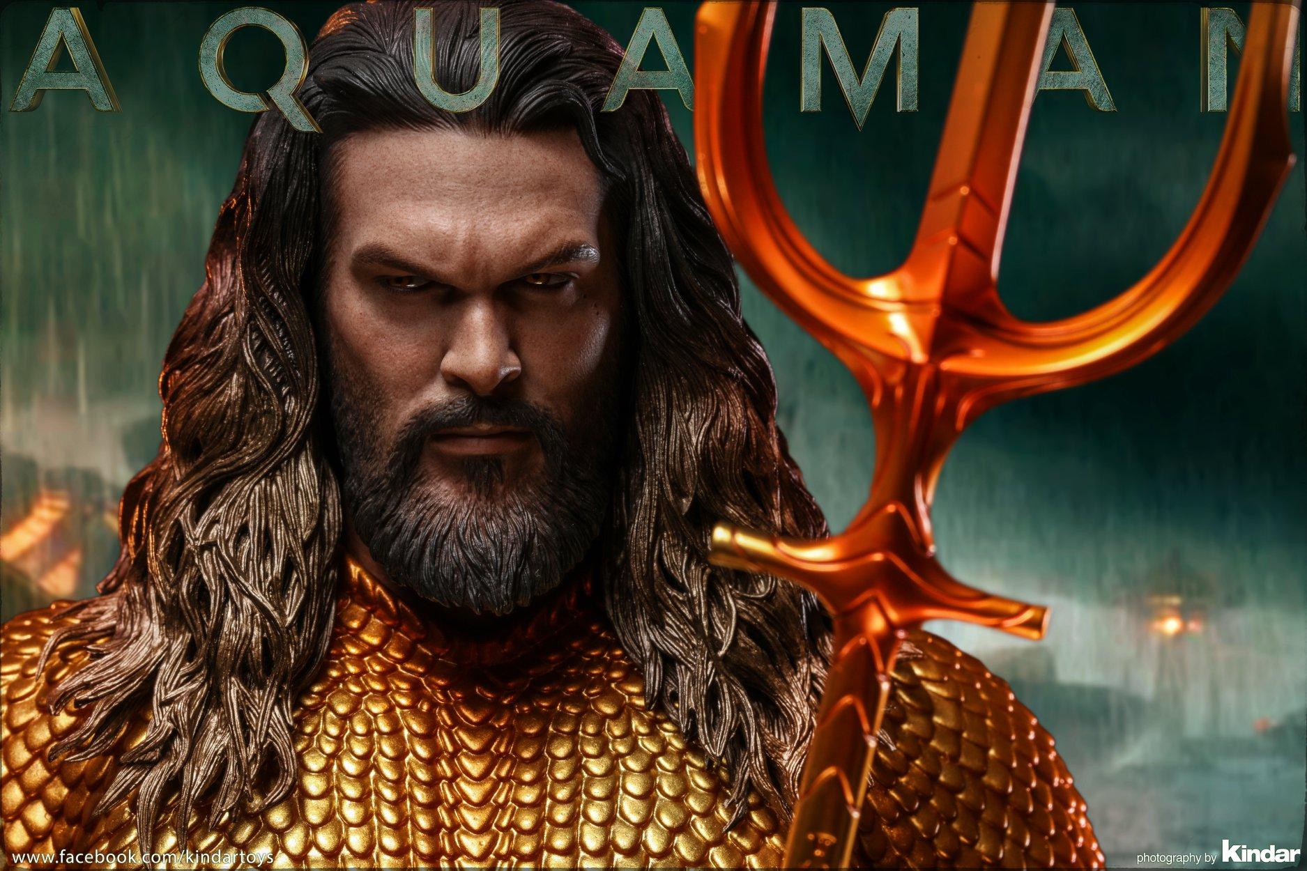 Aquaman jak żywy. Świetna figurka firmy Hot Toys